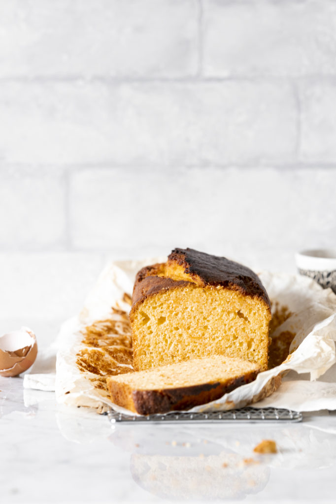 Deliciously citrus scented plumcake with carrots and almonds