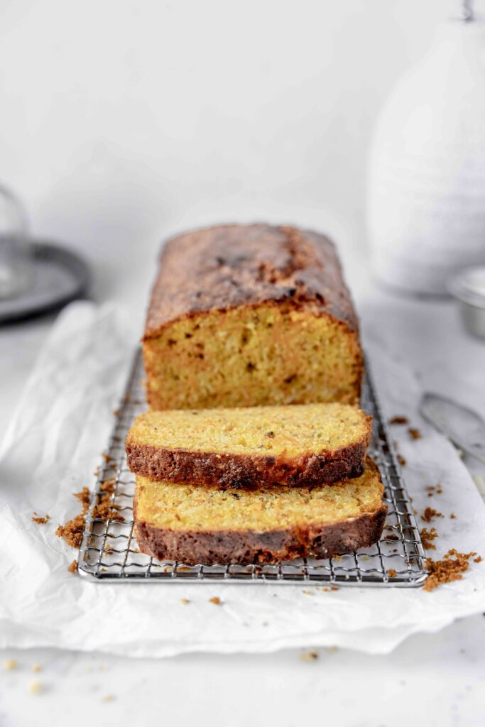 plumcake with carrots