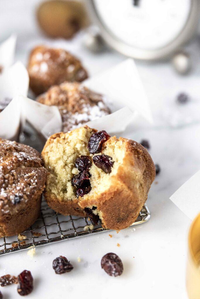 mini cakes cranberries