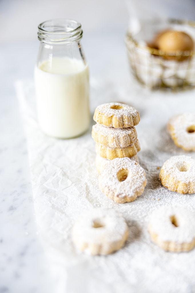 Italian canestrelli cookies