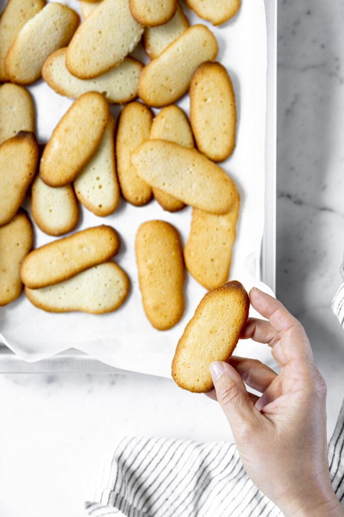 Vanilla scented lingue di gatto cookies