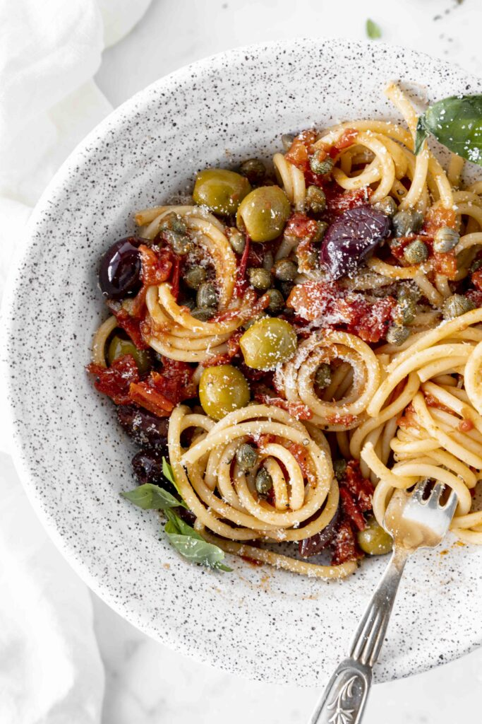 Best Italian pasta puttanesca: the ultimate recipe