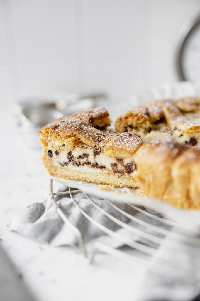 italian crostata ricotta e cioccolato